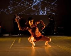 """Estreia da peça """"Estrangeiros"""" Né Barros. Pequeno Auditório, Centro Cultural de Vila Flor"""